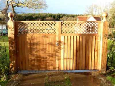 sawn Oak gates